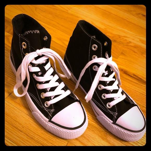 Airwalk Legacee Hi Top Sneakers NWT NWT